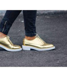 *NEW FRIP'* Hay novedades en nuestra tienda online de segunda mano : ¡como estos zapatos dorados de Zara! Descubre-los :