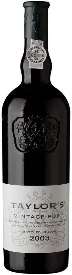 Cor de tinta negra-púrpura, com estreita auréola violeta. Clássico nariz Taylor, com exóticas fragrâncias de violeta e flor da esteva, sobre um impenetrável fundo de intensa fruta negra silvestre. Paladar estilizado e enérgico racy, revelando um apertado tecido de taninos musculados e repleto de concentrados sabores vinosos que se intensificam ao longo do aparentemente interminável final. Como muitos outros grandes vintages da Taylor, este vinho é um arquétipo de poder enclausurado