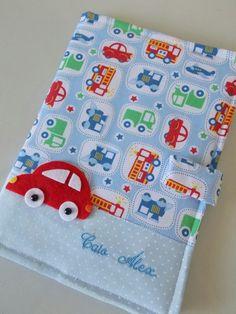 capa de vacinação tecido para meninos carrinho - Pesquisa Google Kit Bebe, Patch, Pot Holders, Bows, Baby Embroidery, Baby Art Crafts, Box Templates, Book Jacket, Custom Notebooks