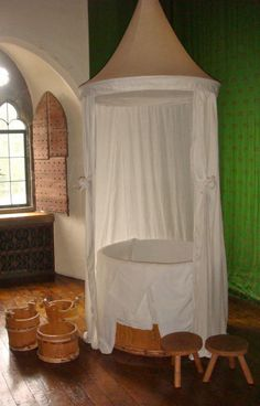 Bathing In the Middle Ages