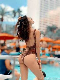 "Full ảnh Phương Trinh Jolie diện ""bikini lọt khe"" siêu hở hang Asian Makeup Natural, Bikinis, Swimwear, Thong Bikini, Hang, Instagram, Fashion, Bebe, Bathing Suits"