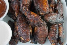 Amazing Smoked Chicken Wings - The Secrets to making amazingly delicious smoked wings with step by step instructions. These will be a smashing success at any kind of get-together. Smoke Chicken Wings Recipe, Smoked Chicken Wings, Chicken Wing Recipes, Baked Chicken, Tandoori Chicken, Bbq Chicken, Chicken Drumsticks, Smoked Wings, Charcoal Smoker