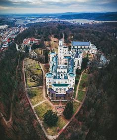Hluboká nad Vltavou looking mighty impressive from above. 😍 Fantastic aerial shot by 😍😍😍 Croatia Travel, Thailand Travel, Bangkok Thailand, Hawaii Travel, Italy Travel, Medieval Fortress, Medieval Castle, Beautiful Castles, Beautiful Places