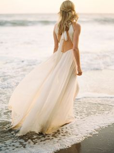 Dreamy beach bridal session: Photography : Donny Zavala Read More on SMP: http://www.stylemepretty.com/2016/05/19/sunlit-malibu-hills-bride/