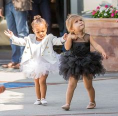 North West and Penelope Disick leaving their ballet lesson. Cute Mixed Babies, Cute Babies, Khloe Kardashian, Cute Celebrities, Celebs, Toddler Fashion, Kids Fashion, Little Girl Dresses, Flower Girl Dresses