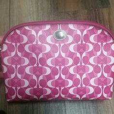 Coach Pink Signature C Cosmetic Bag In excellent conditions, very clean inside and out. No tears or stains. Coach Bags Cosmetic Bags & Cases