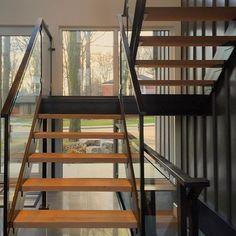 #Beechwood #breezeway #customstairs #stairs #modern #modernbuild #moderngable #moderndesign #design #designbuild #designwithdaylight #architecture #modernarchitecture #stairporn #opentreads #opentreadstaircase #oaktreads #Newmarket