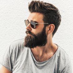 "17 curtidas, 2 comentários - Cortes Masculinos (@tendenciacortemasculino) no Instagram: ""Corte de cabelo masculino curto e #barba longa @slackerblack #cortedecabelo…"""
