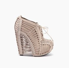 Iris van Herpen X United Nude Crystallization Crystallization Bisque Nappa by Iris van Harpen x United Nude. Iris Van Herpen, United Nude, Ugly Shoes, Nude Shoes, Women's Shoes, Shoe Art, Beautiful Shoes, Beautiful People, Types Of Shoes