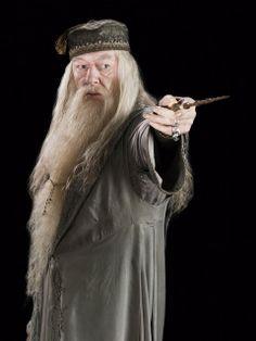 Patrono: ORIGEM DE NOMES: Alvo Dmbledore