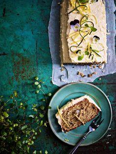 Kuorrutettu kesäkurpitsakakku | Leivonta, Kasvis, Makea leivonta | Soppa365 Hummus, Muffins, Baking, Ethnic Recipes, Sweet, Food, Candies, Ideas, Candy