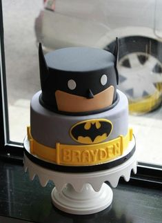21 Awesome Batman Birthday Party Ideas for Kids - Batman Party - Ideas of Batman Party - These 21 Batman Birthday Party Ideas for Kids will easily make your childs birthday celebrations go with a bang this year. Using craft & simple decor tips. Batman Birthday Cakes, 18th Birthday Cake, 4th Birthday, Birthday Ideas, Birthday Cakes For Kids, Cute Cakes, Creative Cakes, Fondant Cakes, Celebration Cakes