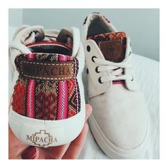 MIPACHA was founded in Cuzco, the heart of Peru. We provide original high quality unisex shoes, handmade by local Peruvians | Shop :