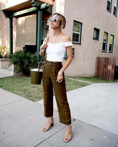 The Fashion-Girl Way To Wear Cropped Trousers