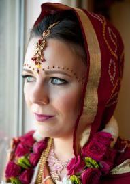 Beautiful bride in traditional Indian wedding attire, photo by Greg Blomberg #wedding #bridal #fashion #traditional #indian #attire