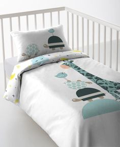 Baby Bedroom, Nursery Bedding, Baby Room Decor, Baby Quilts Easy, Baby Girl Quilts, Modern Kids Bedroom, Kids Bedroom Furniture, Ikea Metal Bed, Baby Pants Pattern