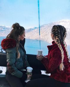 "40.4k Likes, 322 Comments - ⠀⠀⠀⠀⠀ ⠀ ⠀Caroline Einhoff (@caro_e_) on Instagram: ""This  we could sit here forever and just look outside  @bridgethelene my red jacket is…"""