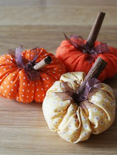 Illatos őszi dísztök Fall Diy, Fall Decor, Origami, Pumpkin, Halloween, Food, Fall Season, Autumn, Pumpkins