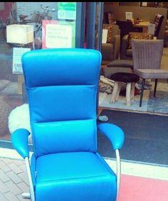 Blue monday? Blauwe stoel! Relaxen wordt puur genieten!