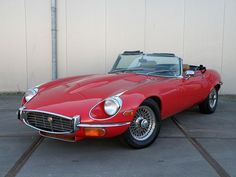 Catawiki online auction house: Jaguar E-type cabriolet - 1972 Classic Car Sales, Old Classic Cars, Jaguar Xk, Jaguar E Type, Convertible, British Sports Cars, Best Muscle Cars, Classic Motors, Cars For Sale
