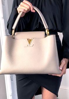 Louis Vuitton Handbags, Purses And Handbags, Leather Handbags, Kelly Bag, Work Bags, Cute Purses, Hermes Kelly, Shanghai, Gold Hardware