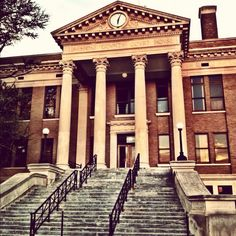 Athens, AL courthouse (Photo by Carrie E. David)