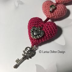 Irish Crochet Lab is a detailed online course of how to make Irish Crochet Lace. Irish Crochet, Crochet Lace, Heart Bubbles, Irish Lace, Learn To Crochet, Key Chain, Crochet Earrings, How To Make, Pattern