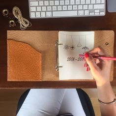 Leather planner hand sewed with inside pocket and two ring binding mechanism Leather Journal, Planners, Hand Sewing, Notebook, Bullet Journal, Messages, Make It Yourself, Pocket, Ring
