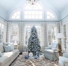 99 Amazing Silver and Blue Christmas Decoration Ideas for Christmas and New Year - Blue Christmas Decor, Christmas Living Rooms, Christmas Decorations For The Home, Christmas Home, Holiday Decorating, Christmas Ideas, Decorating Ideas, Beach Christmas, Christmas Colors
