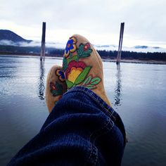 Instragram user ndnchick ck site with 20 moccasin photos