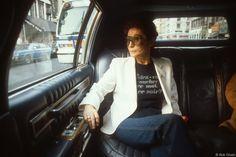 Fotos inéditas que mostram intimidade de Yoko Ono e John Lennon são publicadas. É muito   Virgula