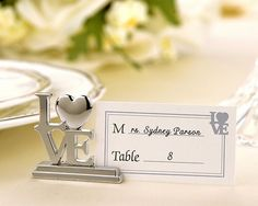 It's the little things that often make the biggest statement! Share your LOVE with these meaningful place card holders that your guests will love using as photo