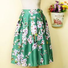 Vintage Cherry Blossom Skirt One Size Green Midi Type Pattern:Floral Style: Chinese style Material: Microfiber, polyester Dresses Length: Knee height Sizes: One size (fits most) Waist: Black elastic waist & side zipper Lining: Half Lining Fabric type: Satin Color: Green Vintage Skirts Midi