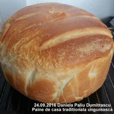 Paine de casa traditionala ungureasca | Savori Urbane Healthy Chicken Recipes, Cooking Recipes, Buttery Rolls, Cinnabon, Romanian Food, Baked Brie, Food Platters, Pastry And Bakery, Fresh Bread