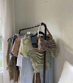 Room Ideas Bedroom, Dream Bedroom, Bedroom Decor, Aesthetic Room Decor, Aesthetic Clothes, My New Room, My Room, Looks Pinterest, Brown Aesthetic