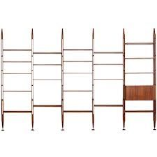 Rare bookshelf by Franco Albini for Poggi Small Space Living, Living Spaces, Living Room, Cool Furniture, Furniture Design, Antique Shelves, Studio Apt, Cozy Apartment, Bookshelves