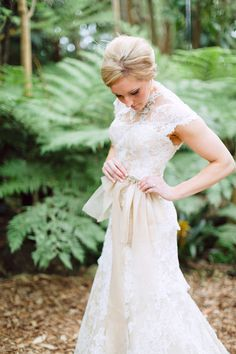 Romantic garden Florida wedding | Photo by Hunter Ryan Photo | Read more - http://www.100layercake.com/blog/?p=74803