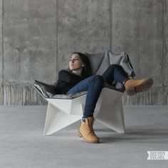 Q1 Chair by ODESD2