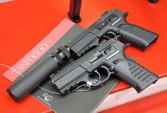 """Tanfoglio """"Force"""": le versioni per impieghi speciali! http://www.all4shooters.com/it/news/pistole/2013/Tanfoglio-Force-pistole-semiautomatiche-impieghi-speciali-MILIPOL/ La Tanfoglio presenta una nuova versione della #pistola serie """"Force"""", destinata specificamente alle unità speciali delle Forze dell'Ordine!"""