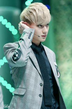 140208 Tao @ Korean Entertainment Awards