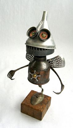 Fry 449 - Found Object Robot Assemblage Sculpture by Brian Marshall | Flickr – Condivisione di foto!