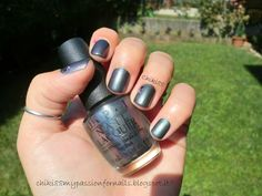 CHIKI88...  my passion for nails!: The nails of the week: Purple, green or gray?