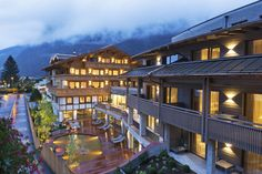 The ElisabethHotel Premium Private Retreat in Mayrhofen in the Zillertal in Tyrol is an Adults Only Wellness Hotel a place of peace and relaxation. Design Hotel, Austria, Alpine Style, Most Luxurious Hotels, List Of Countries, Spa, Rest And Relaxation, Romantic Getaways, Workout Rooms