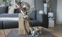 KL62 - Kleine Säule aus altem Holz! Altes Holz behandelt, dekoriert mit einer Edelstahlkugel, natürlichen Materialien und einem Edelstahlherz! Preis 44,90€ Höhe ca. 35cm Frosch 6,90€ Teelicht 4,90€