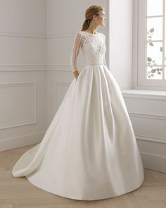 EGEA gown from the 2019 Aire Barcelona Bridal collection, as seen on the Dressfinder Western Wedding Dresses, Luxury Wedding Dress, Classic Wedding Dress, Wedding Dress Trends, Long Sleeve Wedding, Modest Wedding Dresses, Bridal Dresses, Dream Dress, Marie