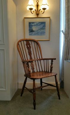 A Beautiful mid 19th Century Ash and Elm Windsor Chair circa 1850 . snowdoniaantiques.co.uk