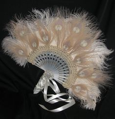 HOLLYWOOD REGENCY - Exquisite Bridal Feather Fan In Ivory and Candlelight Ostrich, Peacock Feathers and Pearls
