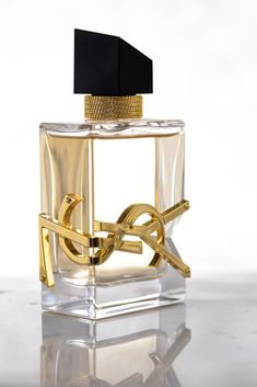 """YSL's latest scent, LIBRE checks all of the boxes of everything I look for in a perfume. """"A new, sexy cool floral. Grown between France and Morocco. Conceived between Paris and New York. Perfume Scents, Perfume Oils, Perfume Bottles, Ysl Parfum, Fragrance Parfum, Avon Products, Ysl Beauty, Luxury Beauty, Perfume Collection"""
