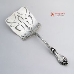 Les Cinq Fleurs Waffle Server Reed and Barton Sterling Silver 1900 No Monogram