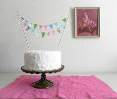 DIY: Cake Bunting Decoration